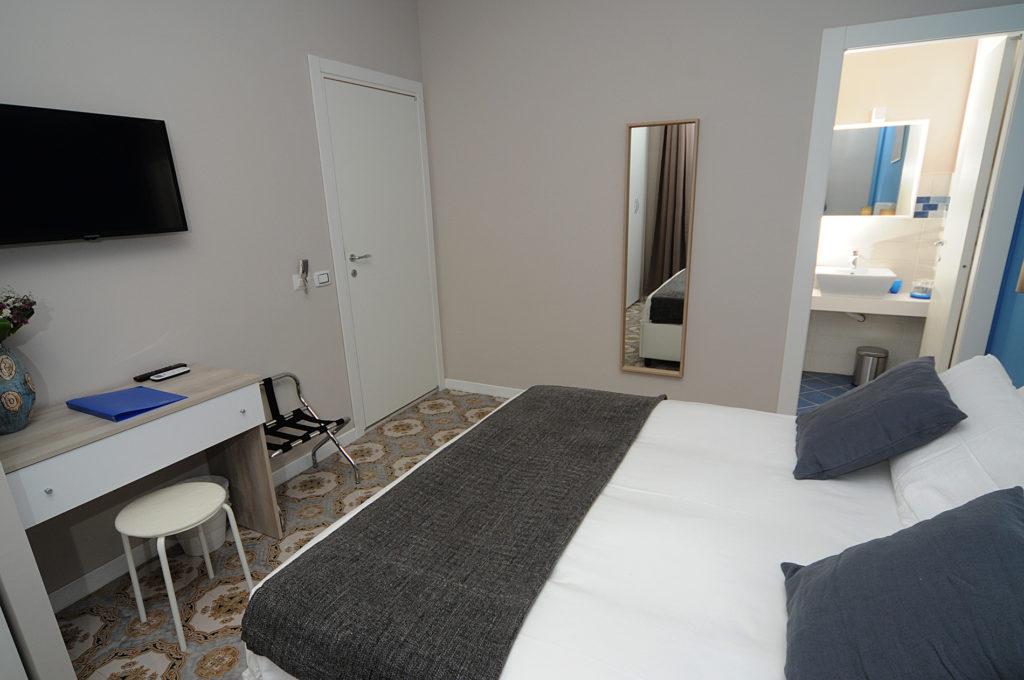 La Casa di Giorgio Bed & Breakfast in the center of Naples | Rooms, reservation